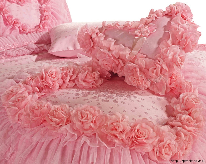 4979645_Luxuryromanticpinklacerosebeddingsetsmodernweddingbeddingqualitycomfortersetkingsize9 (700x558, 301Kb)