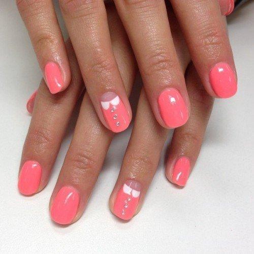 Нанесение шеллак покрытия на короткие ногти в