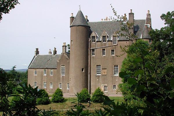 средневековый замок Кельбурн в шотландии 1 (600x401, 286Kb)