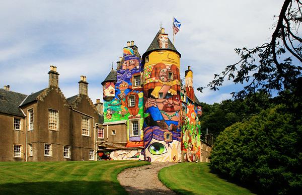 средневековый замок Кельбурн в шотландии 8 (600x388, 335Kb)