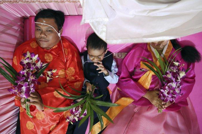 свадьба в гробу таиланд 4 (700x466, 314Kb)