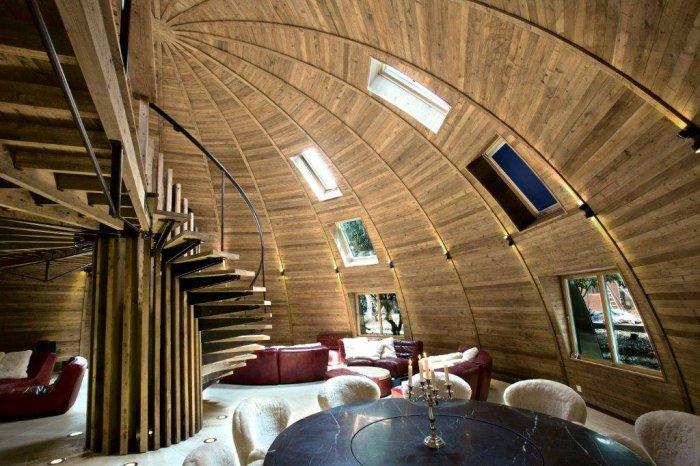 деревянный дом в форме купола 2 (700x466, 329Kb)