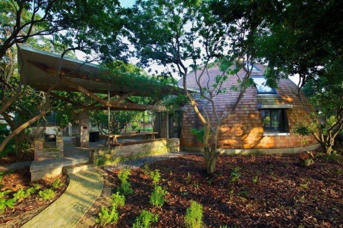 деревянный дом в форме купола 7 (700x466, 456Kb)