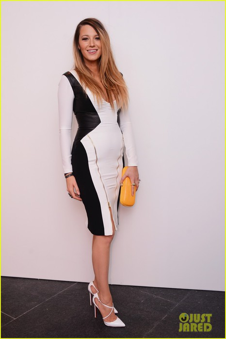 blake-lively-shows-off-post-baby-body-nyfw-23 (466x700, 42Kb)