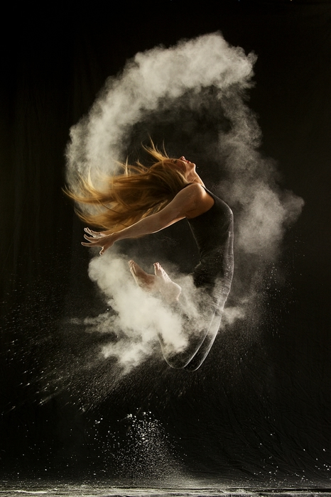 104165453_5084d1368180506geraldine_lamanna_powder_dance_6[1] (466x700, 214Kb)
