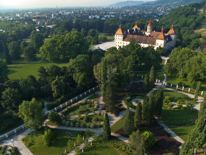 Eggenberg_Schloss_Planetengarten_01 (700x525, 116Kb)