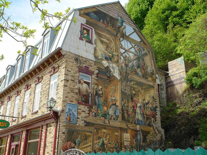 граффити на домах квебека фото 1 (700x525, 512Kb)