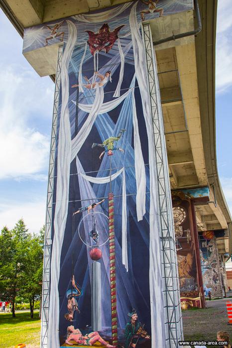 граффити на домах квебека фото 11 (466x700, 482Kb)