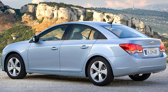 Chevrolet-Cruze-Sedan-rear (550x300, 97Kb)
