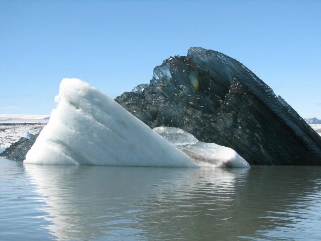 black-iceberg-e1357422961179 (650x488, 66Kb)