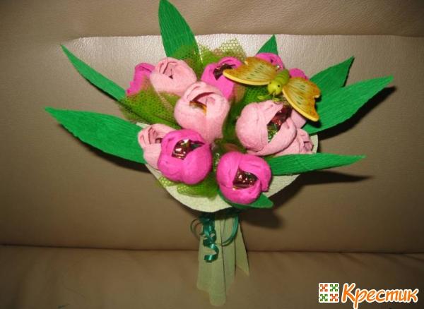 Подарок маме на 8 марта своими руками букет с конфетами из фольги