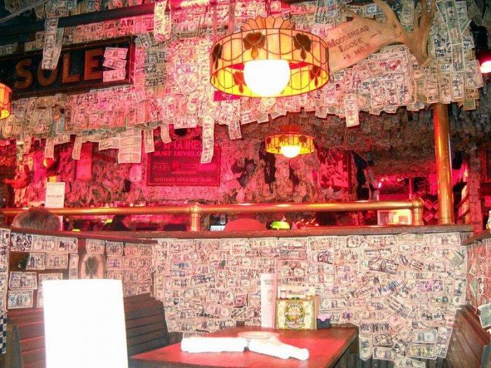 McGuire's Irish Pub долларовый интерьер ирландского паба 3 (700x525, 456Kb)