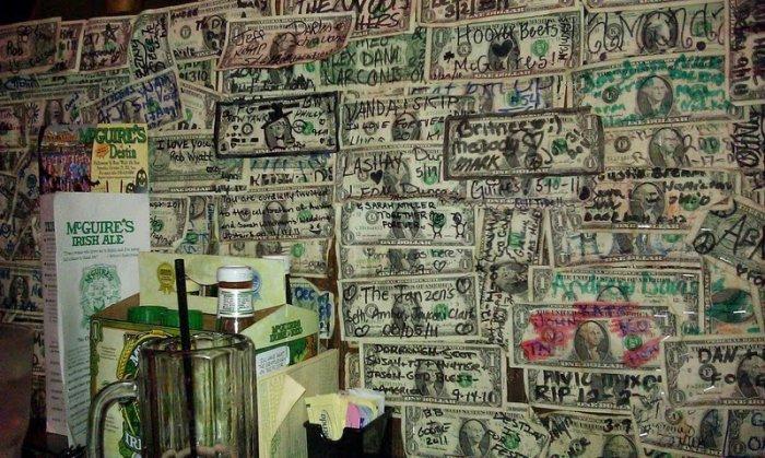 McGuire's Irish Pub долларовый интерьер ирландского паба 7 (700x419, 364Kb)