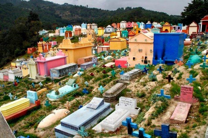 разноцветные кладбища гватемалы 3 (700x465, 404Kb)