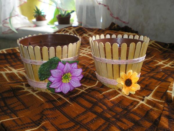 Украшаем цветочные горшки своими руками