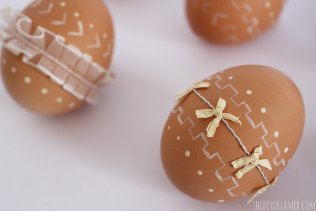 Painted-Eggs-with-Ribbon (640x427, 121Kb)