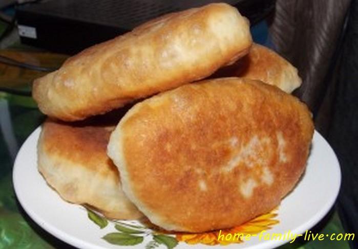Рецепт жареных пирожков на живых дрожжах