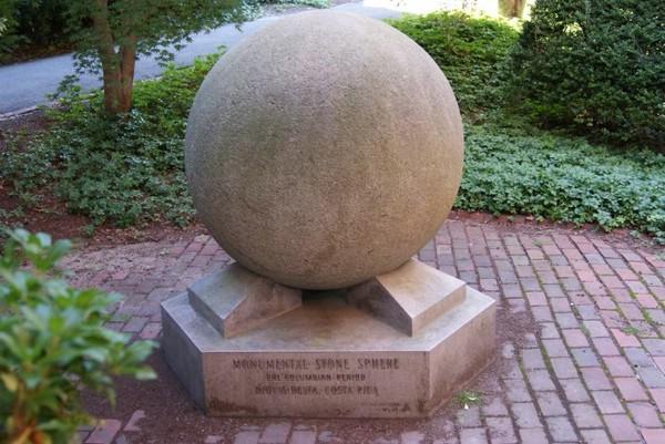 каменные-шары-коста-рики-3- (600x401, 87Kb)