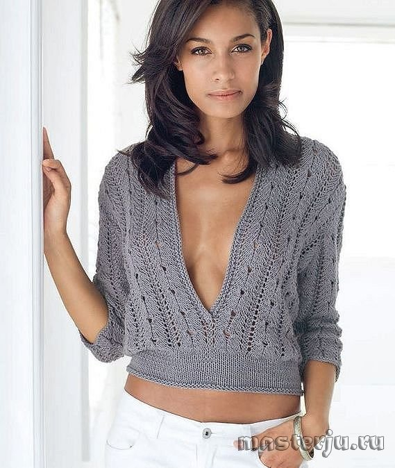 Короткий пуловер с глубоким вырезом (569x674, 253Kb)