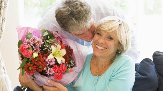 Что подарить бабушке мужа на знакомство