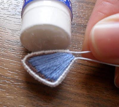 Объемная вышивка. Как вышить крылья бабочки (16) (400x358, 120Kb)