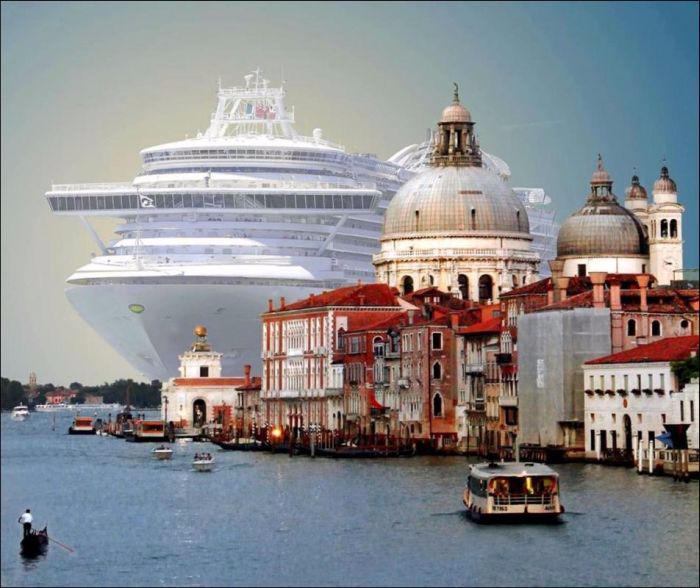 круизный лайнер на фоне венеции 1 (700x588, 304Kb)