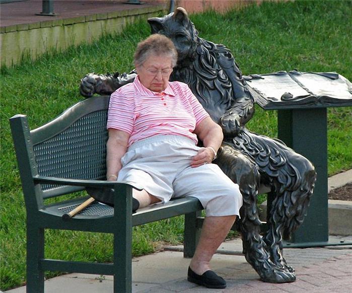 кот на скамейке 1 (700x583, 481Kb)