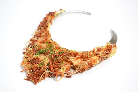 3899041_Fake_food_jewelry_sphagetti_bolognaise_necklace (480x319, 36Kb)