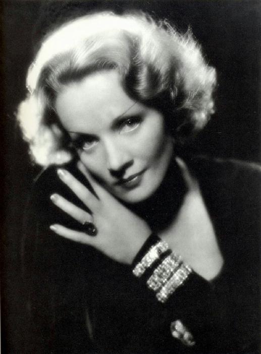 Marlene-Dietrich-marlene-dietrich-23183359-1231-1664[1] (517x700, 271Kb)