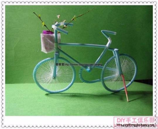 Велосипед из трубочек для коктейлей (1) (540x440, 113Kb)