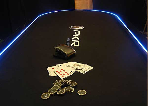 3899041_PokerDiningTable4 (600x429, 35Kb)