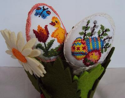 Миниатюрная вышивка для пасхальных яиц. Схемы (16) (400x312, 92Kb)