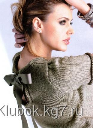 pulover-s-e-ffektnoy-detalyu-na-spine-shema-1 (310x426, 29Kb)