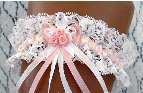 Подвязки на ногу невесты своими руками