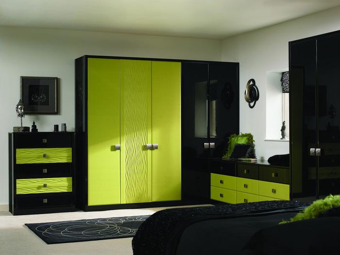 Black drawers bedroom