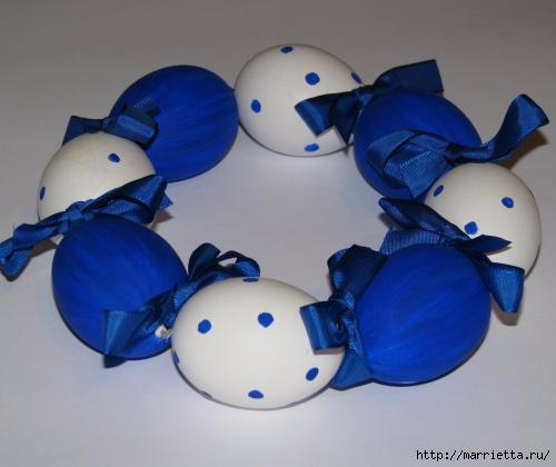 Синий пасхальный венок из яиц (1) (500x420, 70Kb)