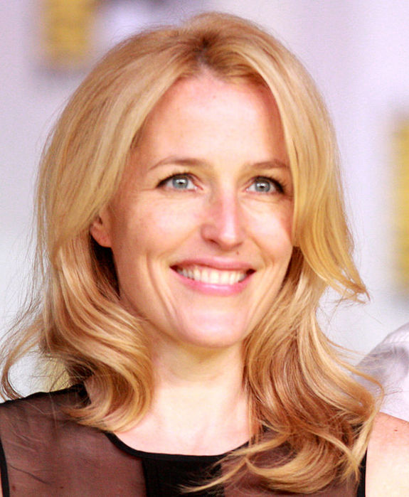 Gillian_Anderson_2013_(cropped) (575x700, 81Kb)
