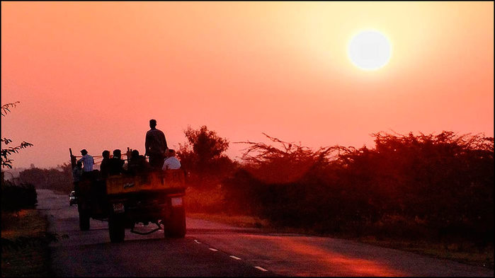 Индия дорога в Хампи/3673959_6 (700x393, 43Kb)