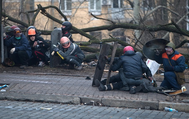 Расстрел на Институтской в Киеве (610x385, 106Kb)