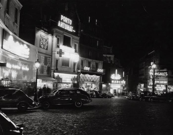 5731514_Black__White_Vintage_Photos_of_Paris_at_Night_13 (700x546, 111Kb)