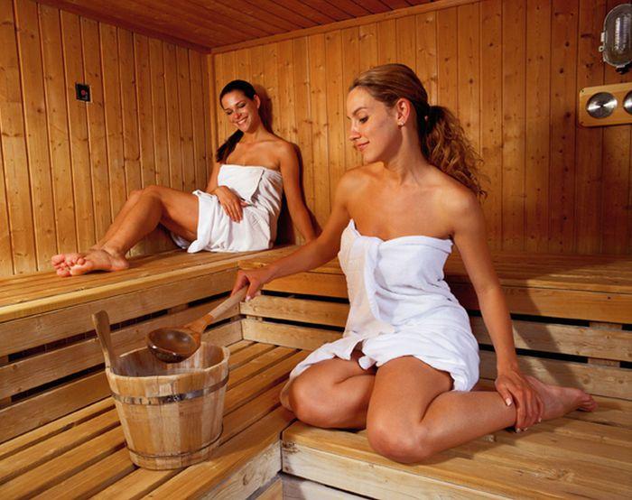 1426080179_devushka_sauna (700x554, 68Kb)