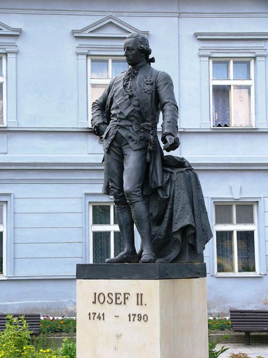 Josef_II_statue (525x700, 365Kb)