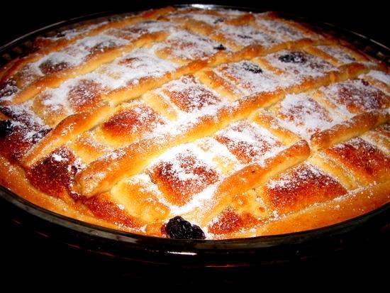 Пирог с курагой и изюмом с фото