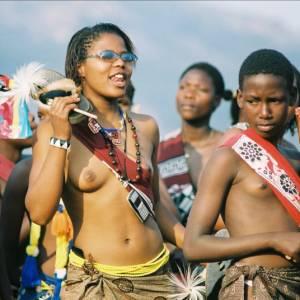 """Старинные традиции и ритуалы - """"танец тpостника"""" в Свазиленде"""