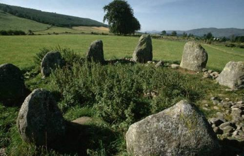 30949053_1219274364_A_Druid_stone_circle_situated_just_north_of_Inverness_in_the_Highland_region_of_ (500x320, 32Kb)
