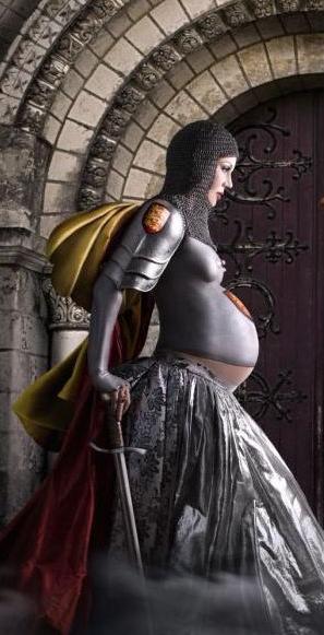 беременная в метро (297x581, 34Kb)