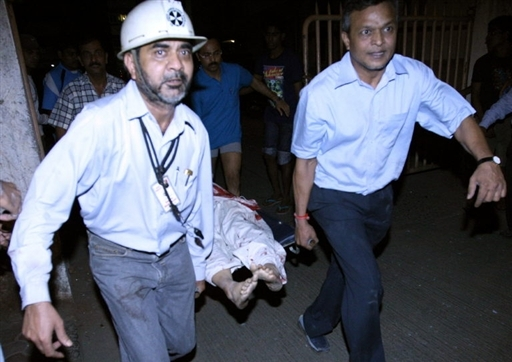 Эвакуация раненого, Мумбаи