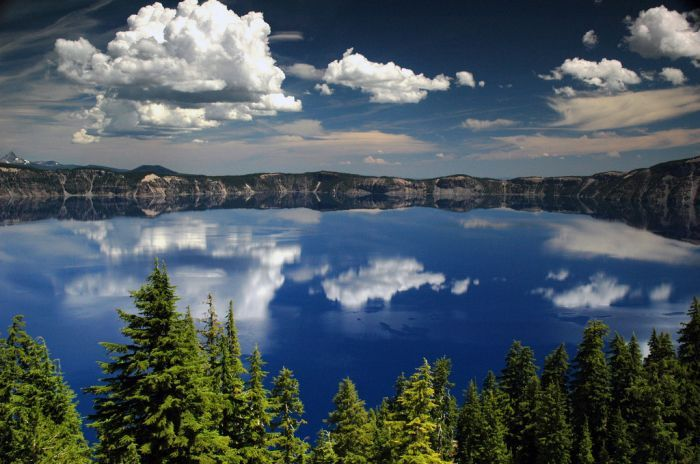 Кратер Лейк The Crater Lake