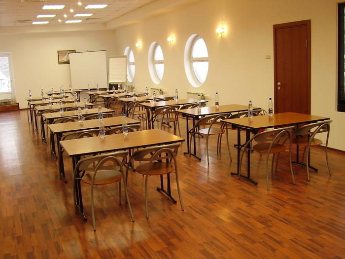 Клуб Водник Конференц-зал, бизнес-семинары 991-57-25