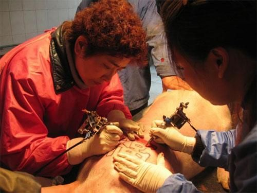 татуировка свиньи